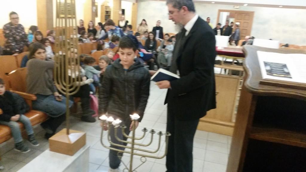 Allumage de la 3 ème bougie à la Synagogue